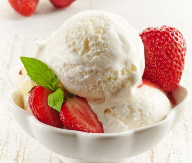 Farklı Tatlar Arayanlara: Sakızlı Dondurma ve Un Kurabiyesi